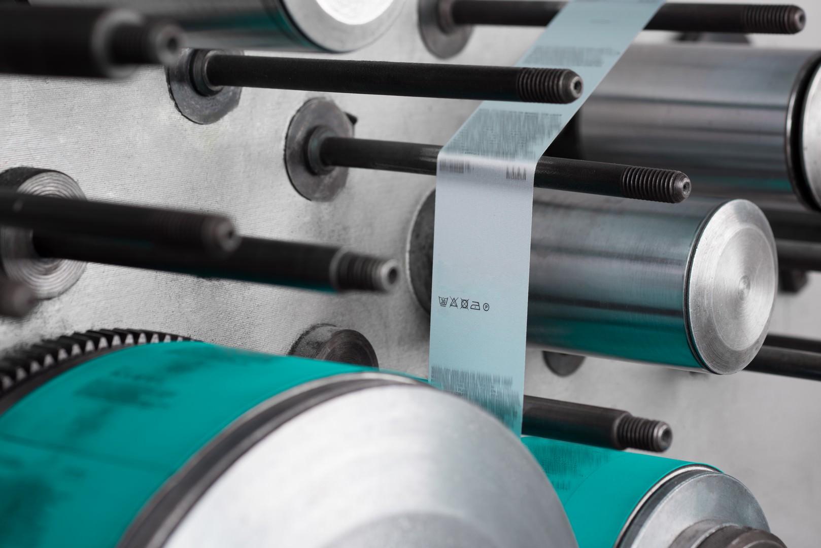 L'entreprise Assistech28, installée en Eure-et-Loir (28), est experte en automatismes industriels dont elle assure la conception, la réalisation et la maintenance pour tous les secteurs d'activité : agro-industrie, agroalimentaire, cosmétique, pharmacie, automobile, etc.